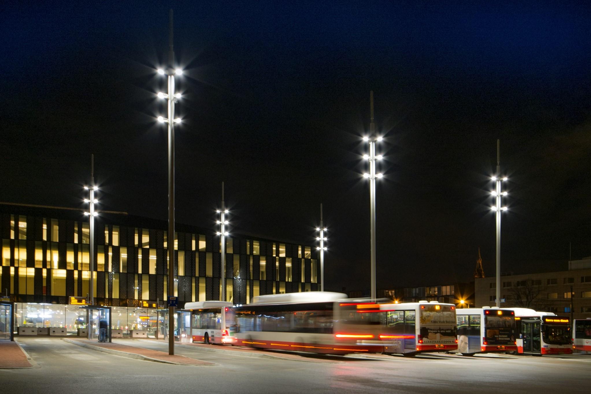 Verlichting busstation Delft