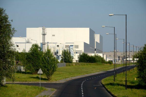 Bedrijfs - fabriekshallen en terreinen