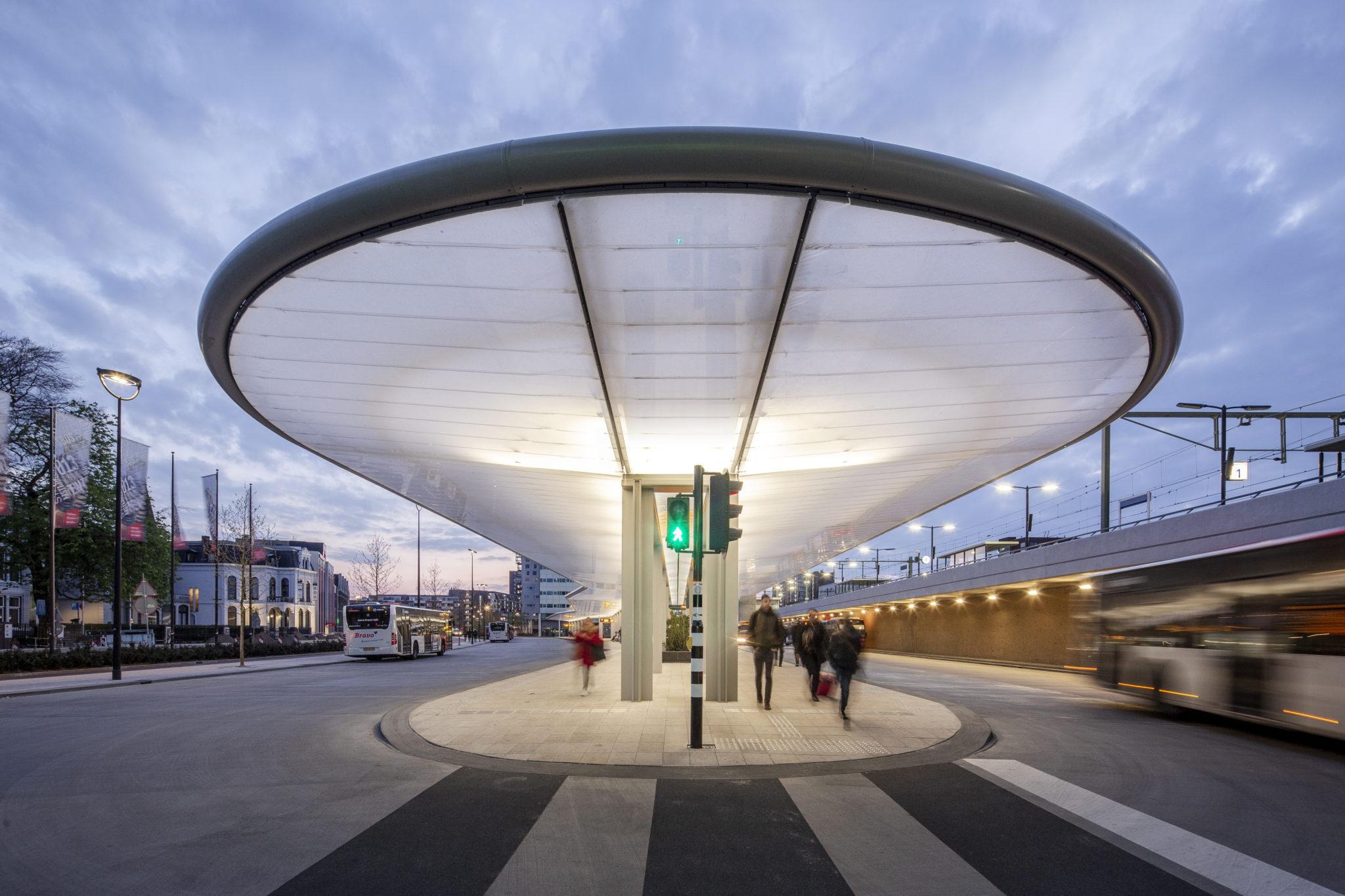 verlichting busstation Tilburg
